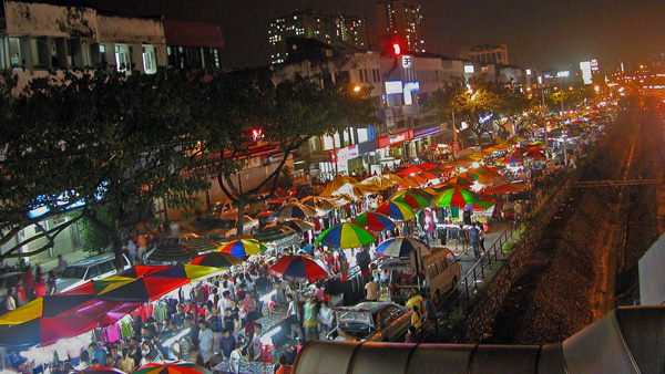 Pasar Malam - Saturday Night Market di Little India