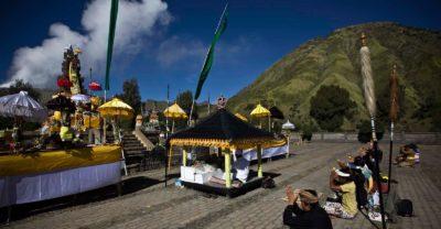 La festa di Kasada nel parco nazionale di bromo in indonesia