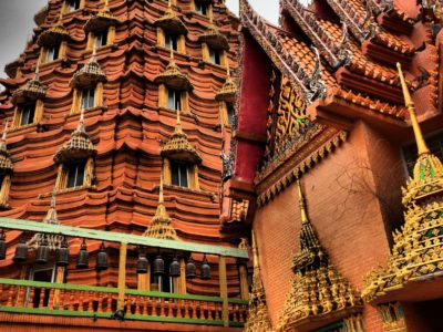 La pagoda cinese a sette ordini di Kanchanaburi
